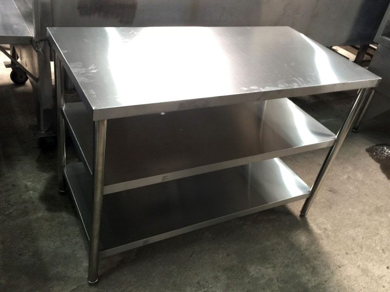 Stainless-Steel-Table-01