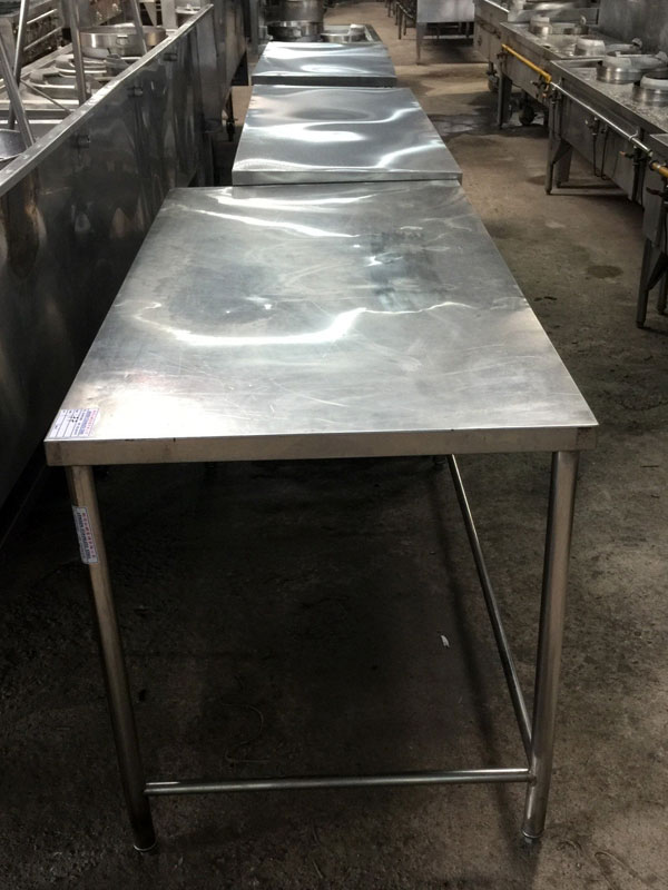 Stainless-Steel-Table-04